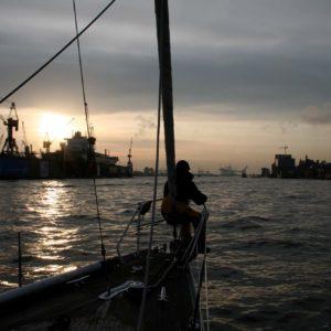 Abenstimmung auf der Segelyacht Dantés im Hamburger Hafen