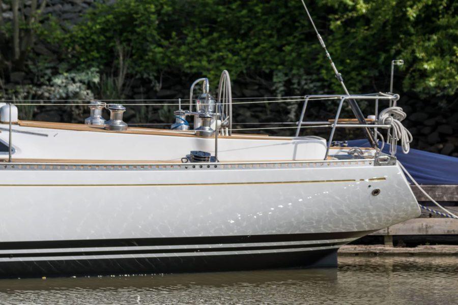 Lackierung der Segelyacht Swan Dantés